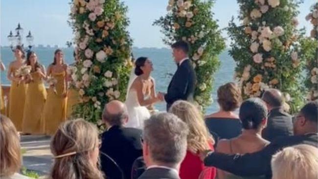 """Panna młoda zaskoczyła weselnych gości. Jej wyczyn podzielił internautów. """"Mój mąż by wyszedł"""""""