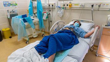Bóle krzyżowe to jeden z sygnałów zbliżającego się porodu