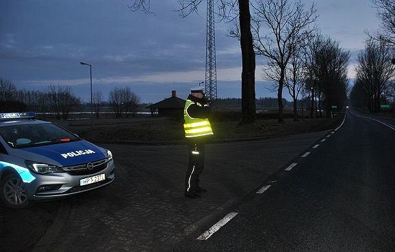 Policjant z węgorzewskiej drogówki