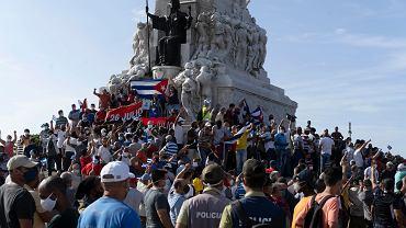 Tłumy przeciwników władz podczas demonstracji w niedzielę 11 lipca w Hawanie