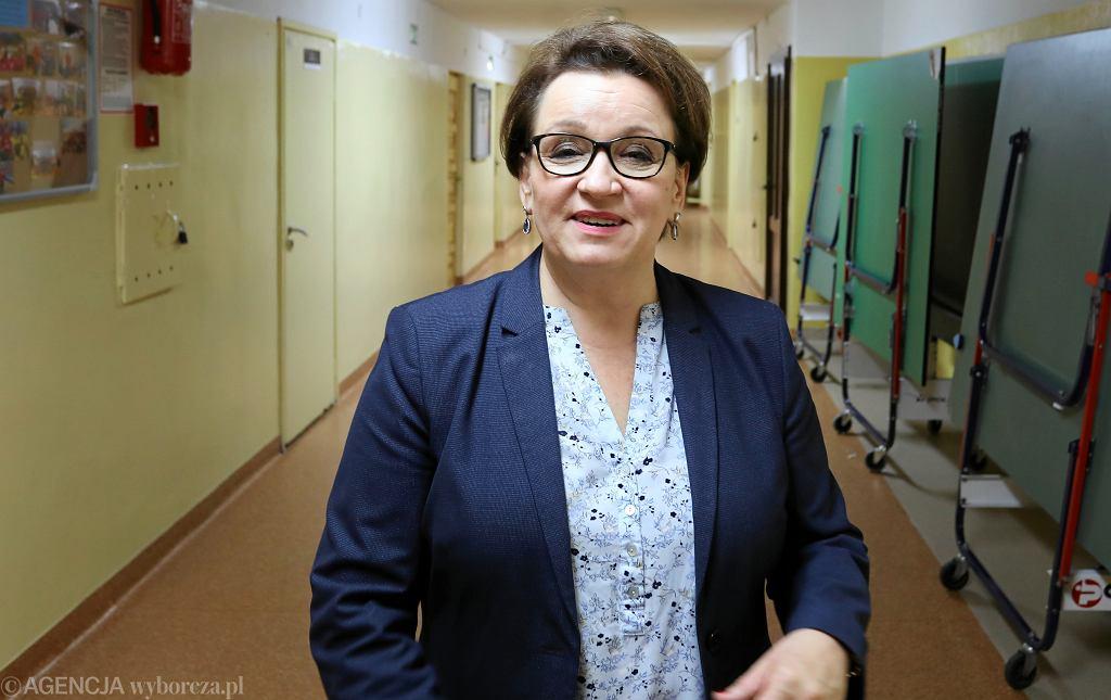 Minister edukacji w rządzie PiS Anna Zalewska podczas akcji 'Dzień Tornistra'. Warszawa, 1 października 2018