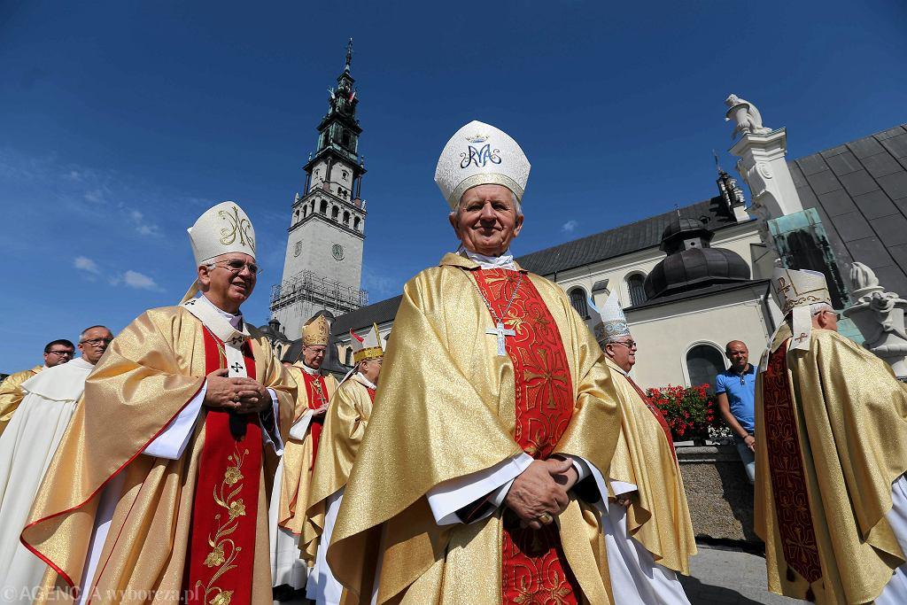 Abp Wacław Depo podczas mszy