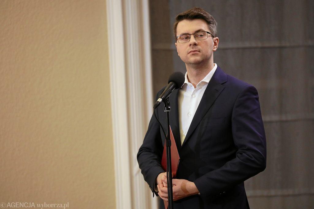 Rzecznik prasowy rządu Piotr Muller