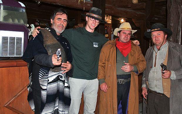 Podróż do Andaluzji: śladami spaghetti westernów, europa, podróże, Dom McBainów - obecnie mieści się w nim bar napadany codziennie w południe przez trzech utuczonych lokalnych kowbojów