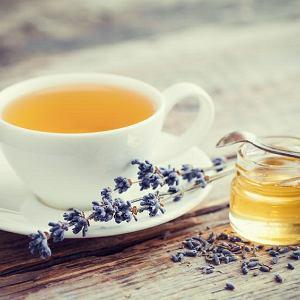 Nie mieszaj miodu z gorącą herbatą