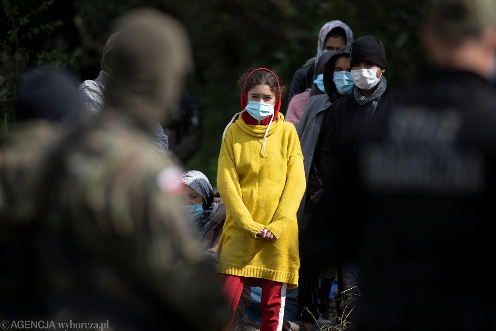 Migranci na granicy polsko - białoruskiej w Usnarzu Górnym