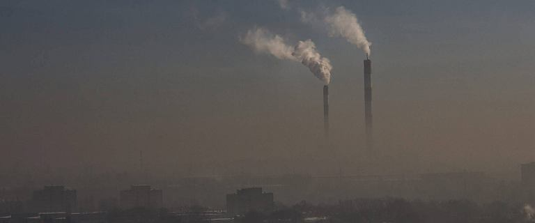 Polska bez miliardów na walkę ze smogiem? Wyciekł list KE do naszych władz