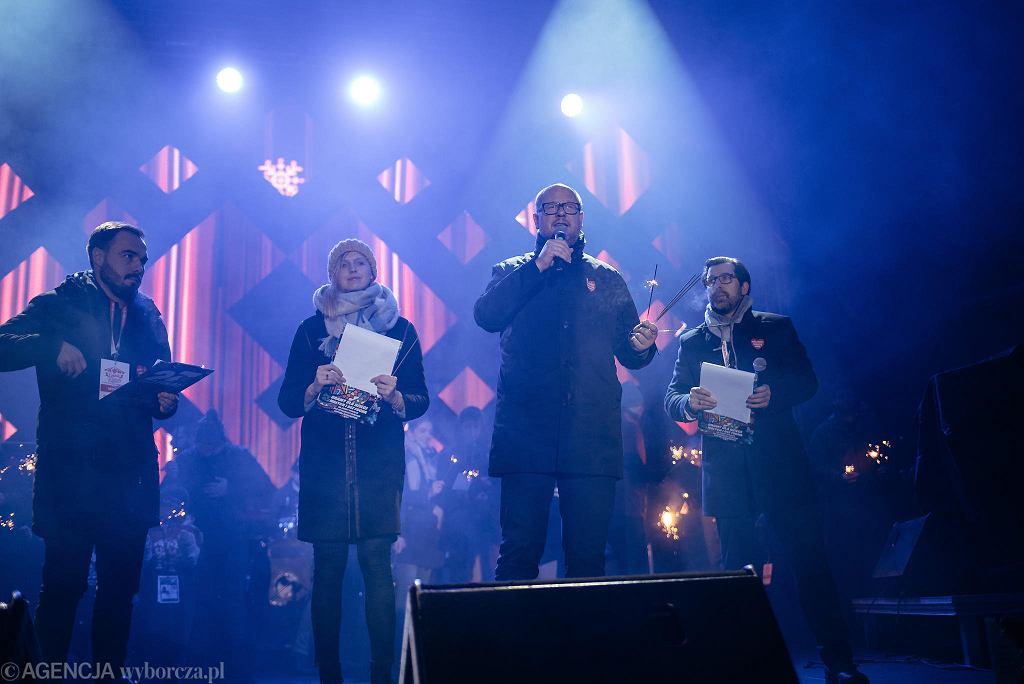 Prezydent miasta Paweł Adamowicz podczas finału WOŚP, kilka chwil później morderca zadał mu śmiertelne ciosy. Gdańsk, 13 stycznia 2019