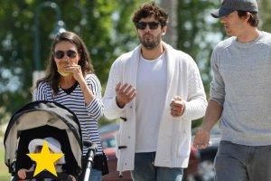 Mila Kunis, Ashton Kutcher z przyjaciele i córką Wyatt