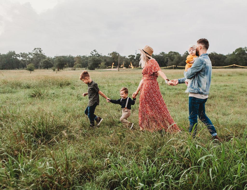 rodzina (zdjęcie ilustracyjne)