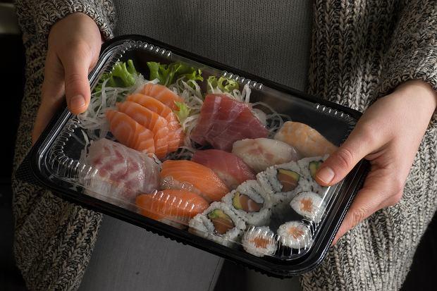 Zarząd sieci Lidl postanowił przetestować sprzedaż świeżego sushi.