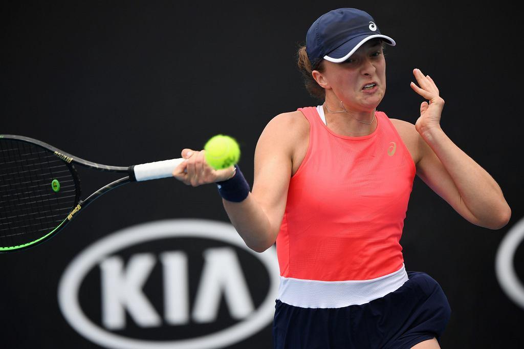 Iga Świątek podczas meczu z Timeą Babos. Turniej Australian Open w Melbourne, 22.01.2020