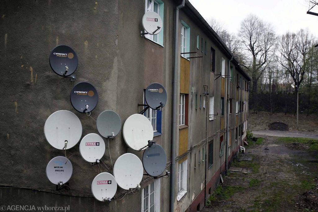 Dostawcy telewizji cyfrowej, (również 'satelitarni') podkablują abonentów Poczcie Polskiej. Ta ściągnie abonament na 'Media Narodowe'. Dobra zmiana projektu PiS