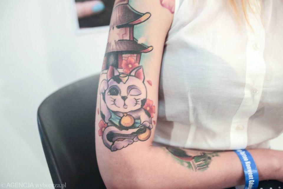 Co Jest Teraz Modne W Tatuażu Napisy Przy Obojczykach To
