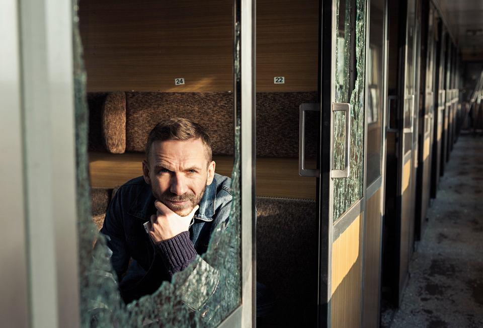 Zdjęcie numer 2 w galerii - Przemek Kossakowski - człowiek, którego zakopali żywcem