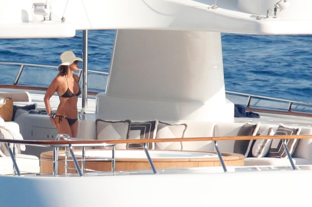 Elle Macpherson on holiday aboard a luxury yacht in south of France  Elle MacPherson