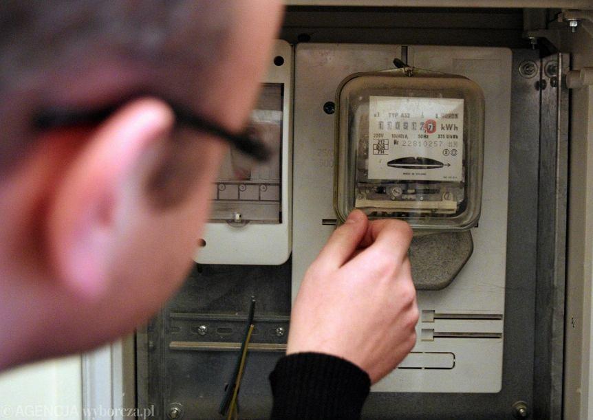 Licznik prądu. W najbliższych latach liczniki będą się kręcić coraz szybciej