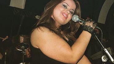 Poznajcie inspirującą historię Lindity Halimi, która dziś cieszy się piękną sylwetką i radością życia. Jest piosenkarką, uczestniczką amerykańskiego 'Idola', a teraz też reprezentantką Albanii na tegorocznej Eurowizji. Droga do sukcesu była jednak kręta i wyboista.