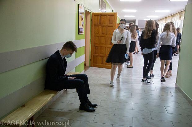 Obowiązkowe lektury egzamin ósmoklasisty 2021. Zostało dziewięć pozycji [TERMINY]