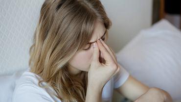 Migrena nawet trzy razy częściej 'dopada' kobiety niż mężczyzn. Hiszpańscy naukowcy utrzymują, że to kwestia aktywności żeńskich hormonów