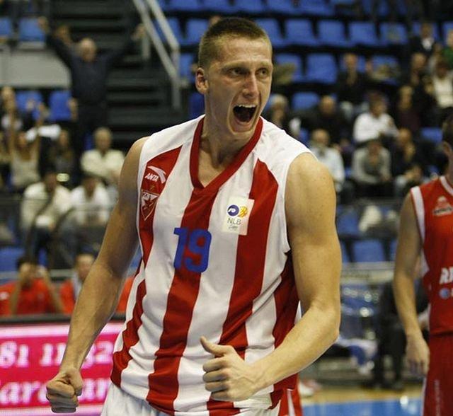 Uros Nikolić w barwach Crveny Zvezdy Belgrad
