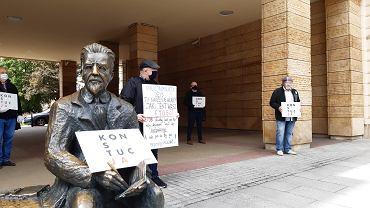 Protest pod siedzibą Wojewódzkiego Sądu Administracyjnego