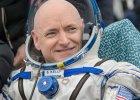 Scott Kelly, astronauta-bliźniak, wrócił na Ziemię po prawie roku w kosmosie
