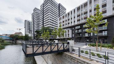 Mieszkania nad wodą. Atal Towers firmy Atal przy ul. Sikorskiego
