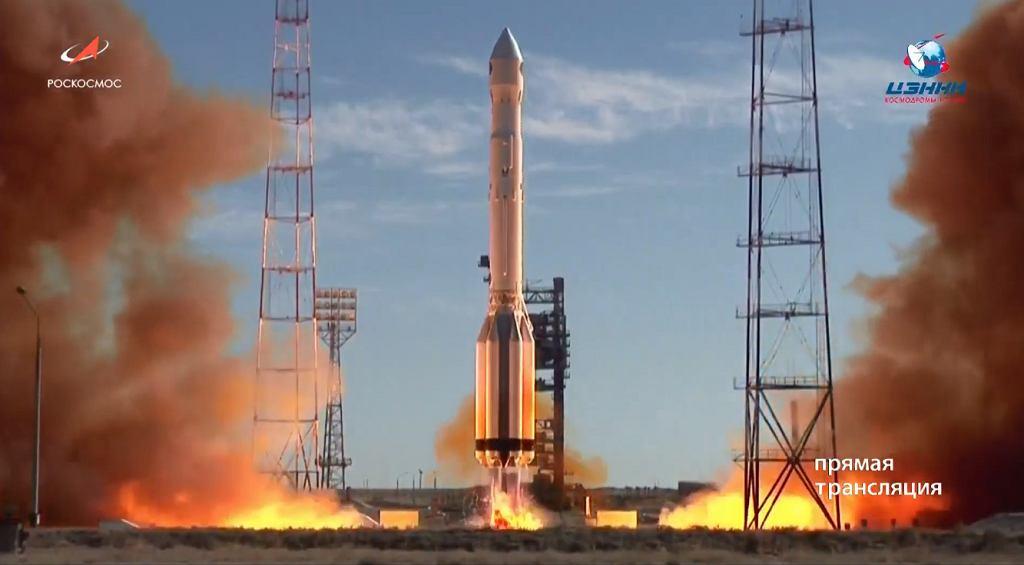 Start rakiety Proton-M z teleskopem Spektr-RG na pokładzie