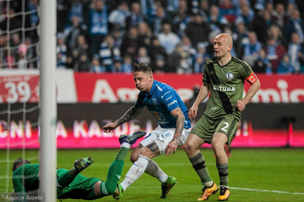 Lech Poznań - Legia Warszawa 0:2. Nicki Bille Nielsen (Lech) i Michał Pazdan (Legia)