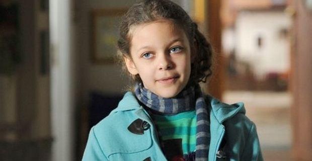 Emilia Dankwa miała 7 lat, kiedy zadebiutowała w 'Rodzince.pl'. Dziś jest nastolatką i bawi się modą