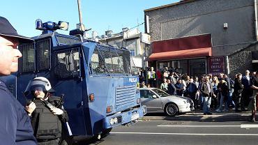 Przeciwnicy Marszu Równości w Lublinie blokowali ulicę i rzucali kamieniami. Policja użyła siły