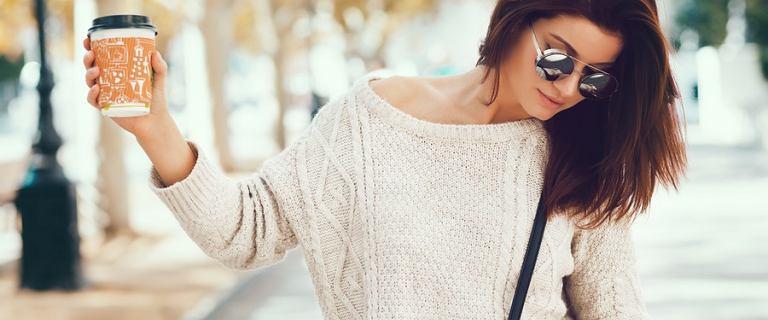 Jaki sweter damski wybrać na jesień? Przedstawiamy ciepłe i modne fasony