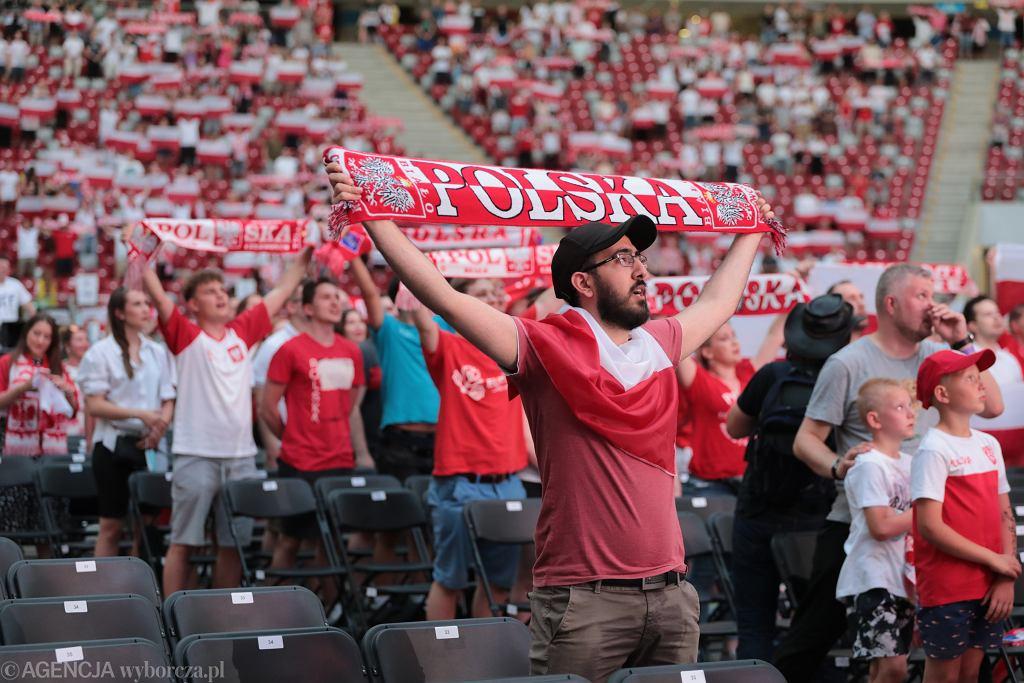 Strefa kibica na Stadionie Narodowym podczas meczu Polska - Hiszpania. Warszawa, 19 czerwca 2021