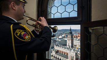 Obchody Święta Niepodległości. Z Wieży Mariackiej rozbrzmi hymn Polski