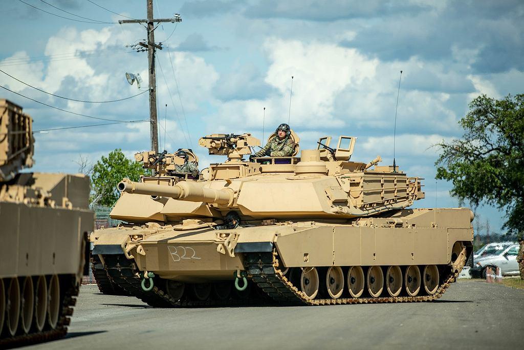 M1A2 Abrams SEPv3 z systemem Trophy. Amerykanie sami dopiero co w 2020 roku zaczęli je przyjmować do służby