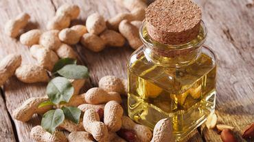 Olej arachidowy powstaje z orzeszków ziemnych, czyli popularnych fistaszków