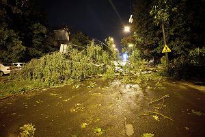 Burze nad Polską. Zerwane dachy, połamane drzewa, brak prądu