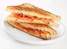 Smażone sandwicze z bekonem i pomidorami - ugotuj