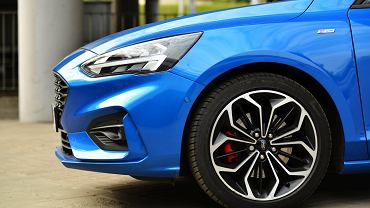 Ford Focus 2.0 EcoBlue vs. VW Golf 2.0 TDI