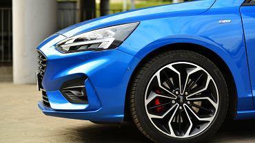 Ford Focus 2.0 EcoBlue vs. VW Golf 2.0 TDI
