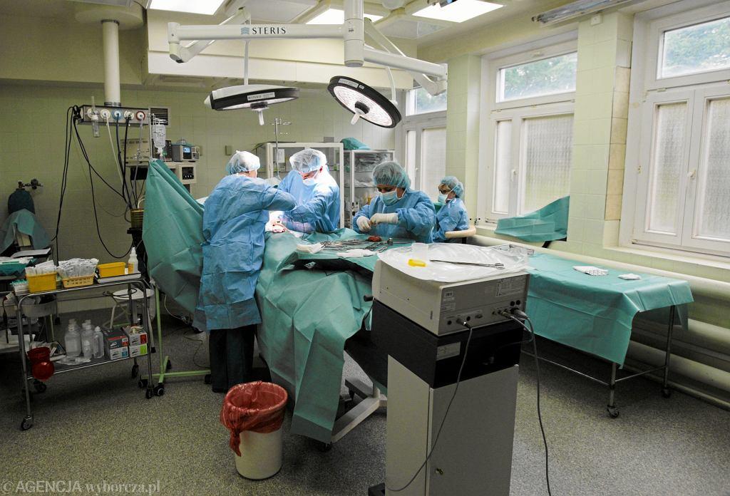 Sala operacyjna (zdjęcie ilustracyjne)