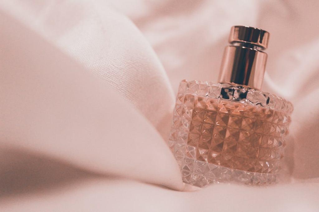 Perfumy na sezon jesień-zima 2019. Jak wybrać idealny zapach?