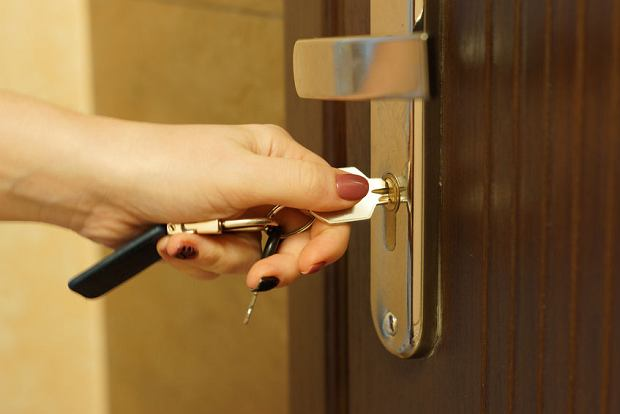 Czy ubożsi będą mieli większe szanse na mieszkanie komunalne? Nowe przepisy Narodowego Programu Mieszkaniowego