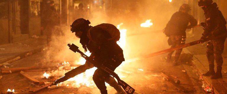Zamieszki w Boliwii: ochroniarze prezydenta Moralesa wycofali się do koszar