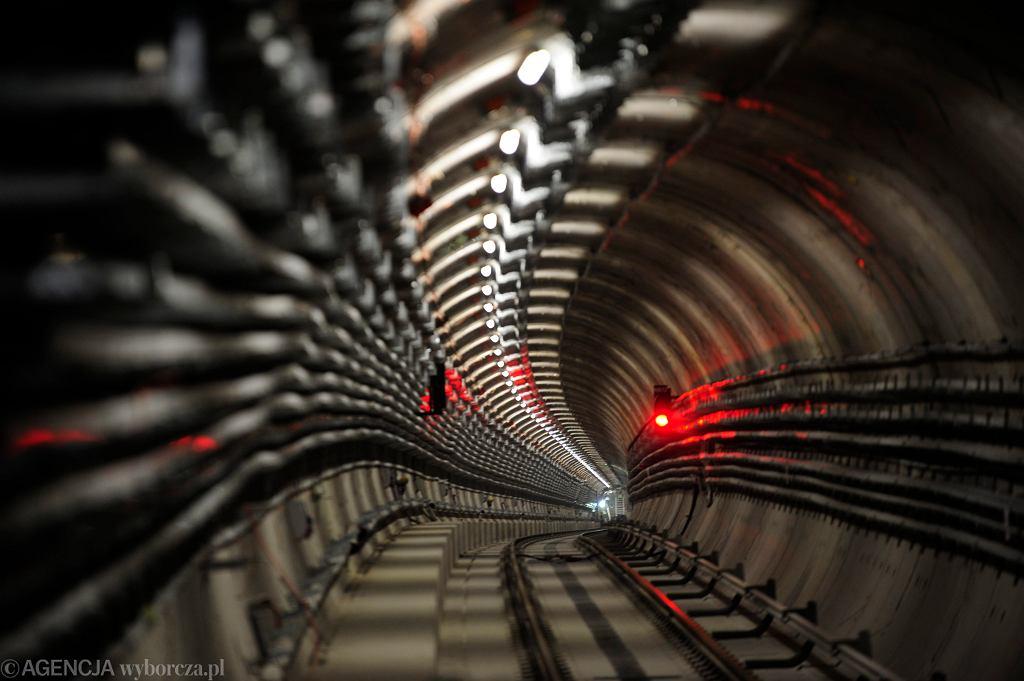 Tunel metra na stacji Nowy Świat-Uniwersytet
