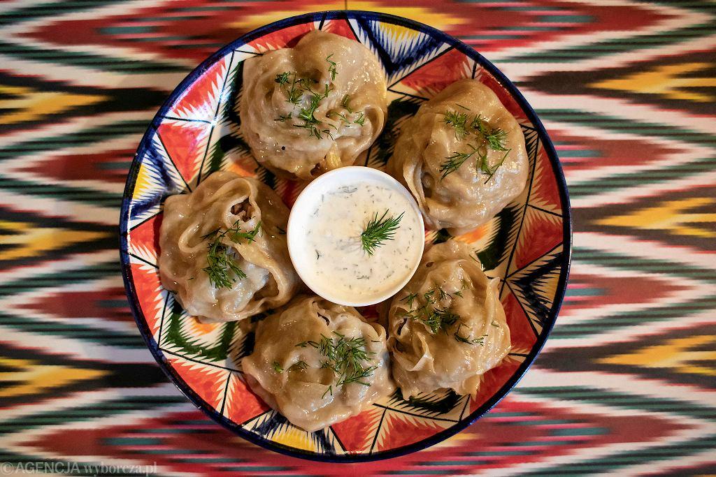 Mutton Mantu - Pierogi gotowane na parze z baranina / DAWID ZUCHOWICZ