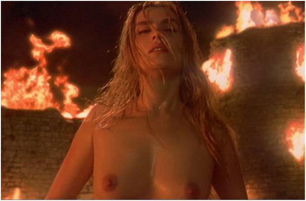 Zdjęcie numer 7 w galerii - Figura zyskała miano seksbomby, ale nie tylko ona rozbierała się na ekranie. Te aktorki nie boją się odważnych scen [18+]