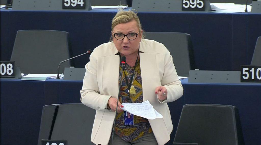 Debata w Parlamencie Europejskim o praworządności w Polsce. Przemawia Beata Kempa