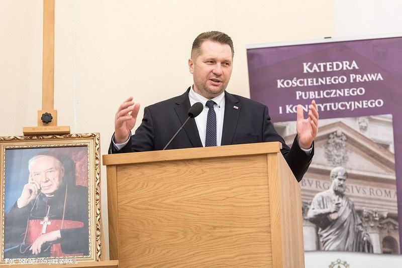Podczas konferencji na KUL Przemysław Czarnek, Minister Edukacji i Nauki ogłosił, że będzie wnioskował o utworzenie nowej dyscypliny naukowej - nauki o rodzinie.